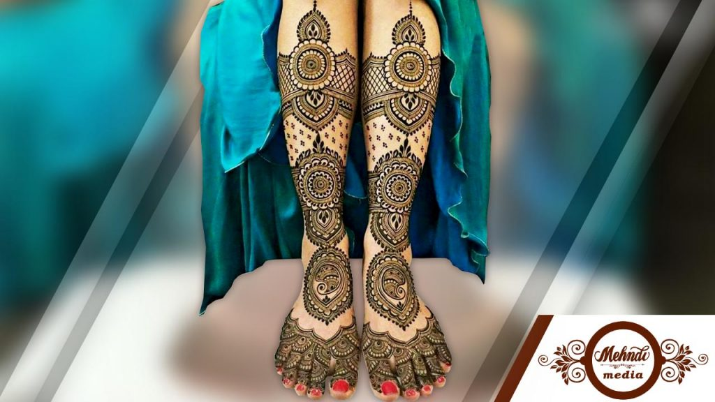 latest mehndi designs for legs 2018