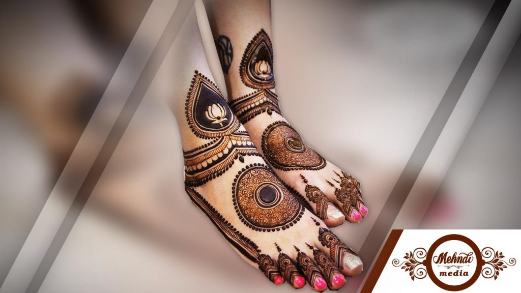 how to put mehndi designs for legs