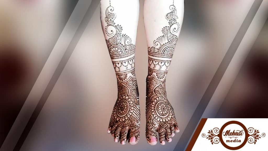 simple mehndi designs for legs step by step