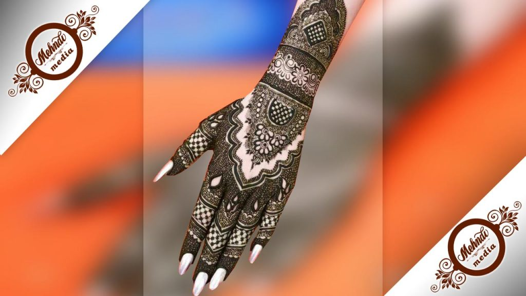 new pakistani mehndi designs 2018